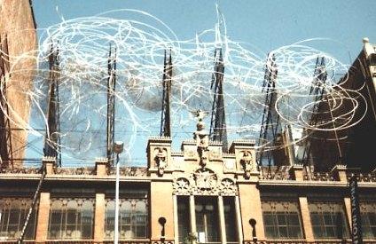 Kips travelpage barcelona modern art - Cadira barcelona ...